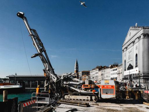 Ripristino delle sponde ammalorate in riva degli Schiavoni per il bacino di San Marco