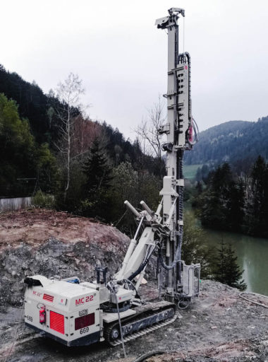 Opere di fondazioni profonde per la costruzione del nuovo ponte sul Rienza